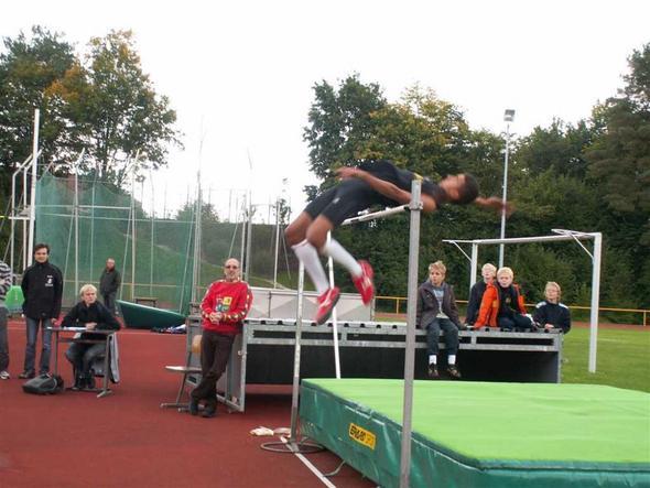 1.92 m - (Sport, Beine, Leichtathletik)