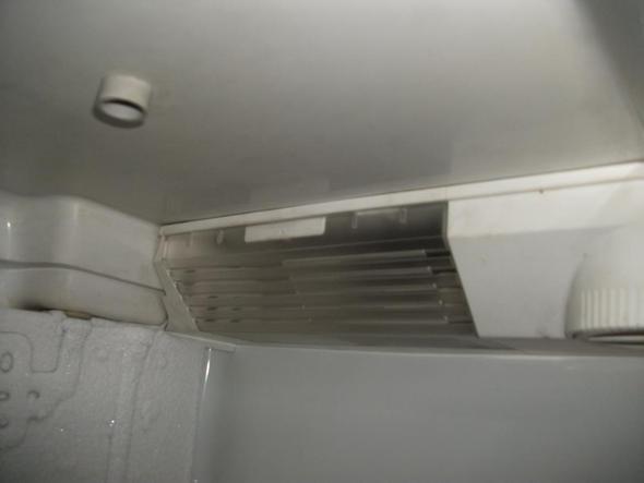 Bosch Kühlschrank Alarm Leuchtet : Kühlschranklampe wechseln haus kühlschrank abdeckung
