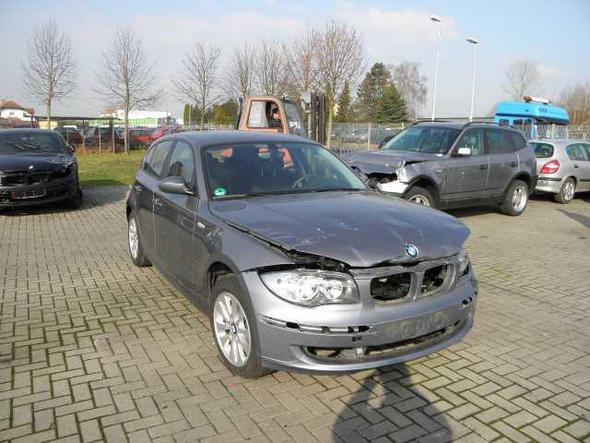 front - (Auto, KFZ, Werkstatt)
