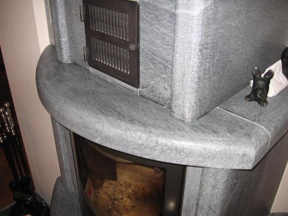 wie bekomme ich kerzenwachs aus speckstein ein teelicht ist auf dem kaminofen ausgelaufen. Black Bedroom Furniture Sets. Home Design Ideas
