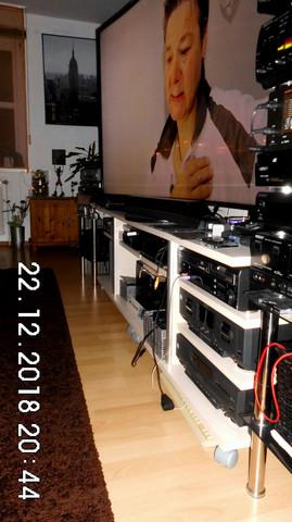 optimale h he f r 55 zoll 4k fernseher freizeit technik. Black Bedroom Furniture Sets. Home Design Ideas