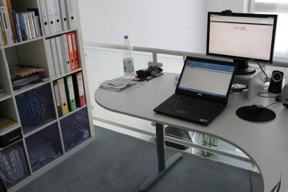 Galant Schreibtisch in weiß und mit T-Beinen - (Möbel, Einrichtung, IKEA)