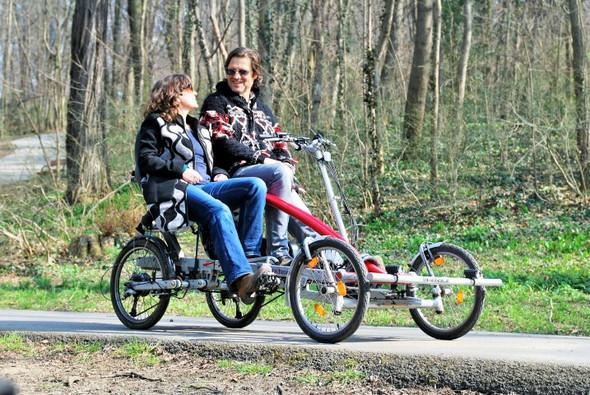 - (Freizeit, Sport, Radfahren)