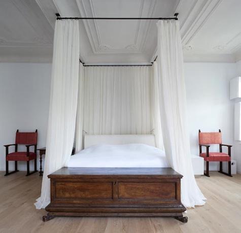 was heisst himmelbett auf englisch. Black Bedroom Furniture Sets. Home Design Ideas