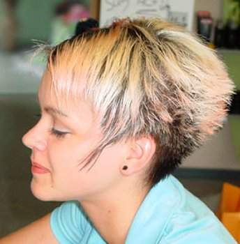 Kurzes Haar Blondine Lesbisch