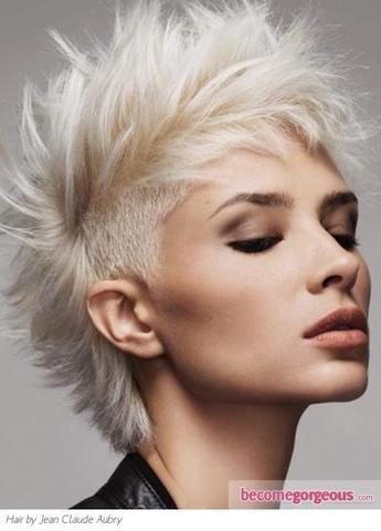 Iro Frisur Frau Lange Haare Stilvolle Frisur Website Foto Blog