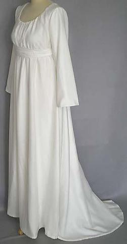 Empirekleid mit langen Ärmeln - (Hochzeit, Brautkleid, hochzeitskleid)