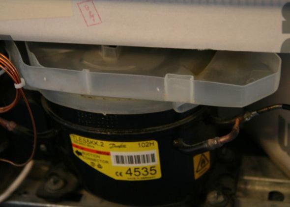 Siemens Kühlschrank Rückseite : Auffangwanne rückseite des kühlschranks rausgefallen kühlschrank