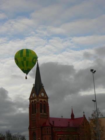 http://www.balticballoon.lv  ballonfahrten - (Freizeit, Preis, Flug)