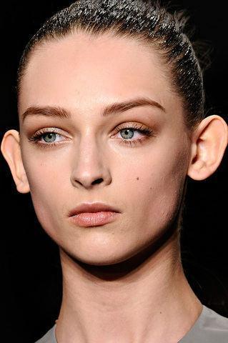 Suche Berühmte Frauenmädchen Mit Abstehenden Ohren Abstehende Ohren