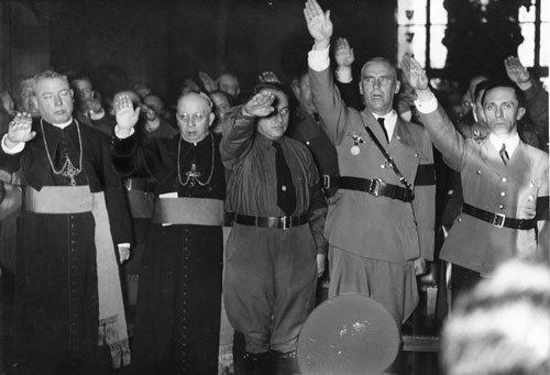 NaziPriestsSaluteHitler - (Politik, Religion, zeugen-jehovas)