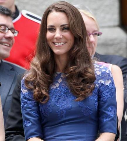 Kate - (Schule, Haare, Beauty)