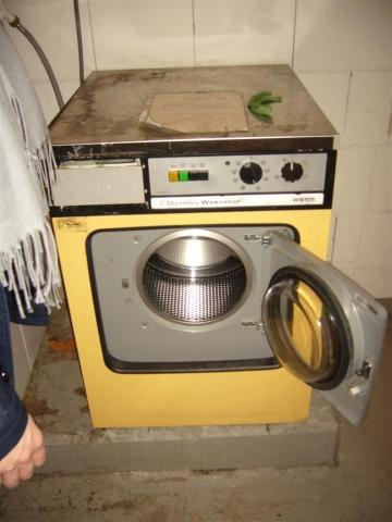 habe ich das recht auf einen waschmaschinenanschlu im keller haushalt waschmaschine. Black Bedroom Furniture Sets. Home Design Ideas