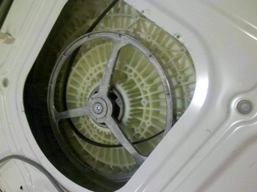 riemen von trommel gel st was tun waschmaschine technik elektronik. Black Bedroom Furniture Sets. Home Design Ideas