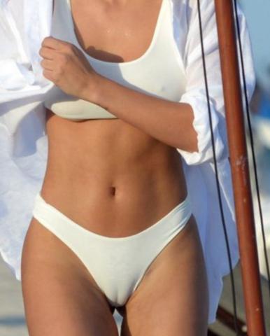 Stört es Frauen wenn ihre Schamlippen z.B im Bikini
