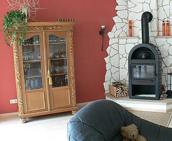 restaurierung alte m bel wei lackieren mit schriftzug versehen vintage restaurieren. Black Bedroom Furniture Sets. Home Design Ideas