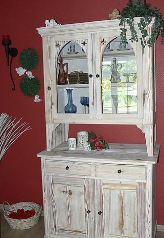 restaurierung alte m bel wei lackieren mit schriftzug. Black Bedroom Furniture Sets. Home Design Ideas