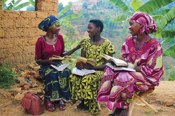 Beim gründlichen Zeugnisgeben in Burundi - (Religion, Zeugnis, zeugen-jehovas)