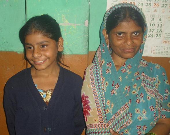 Indische Mädchen heißen Rohr