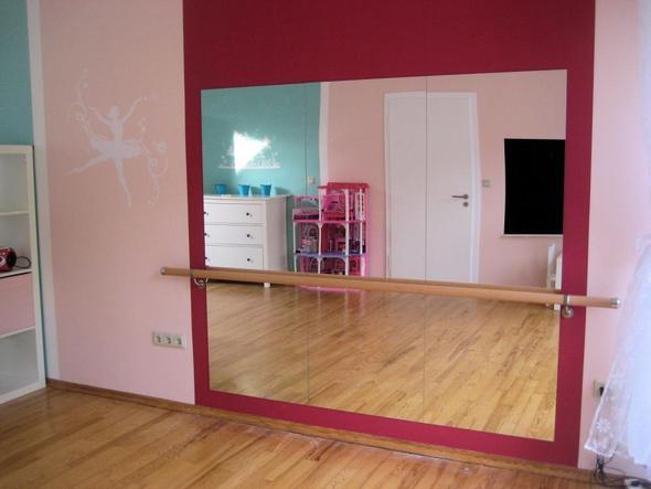 wer von euch hat eine ballettstange zuhause wenn ja welche kosten kommen auf mich zu. Black Bedroom Furniture Sets. Home Design Ideas