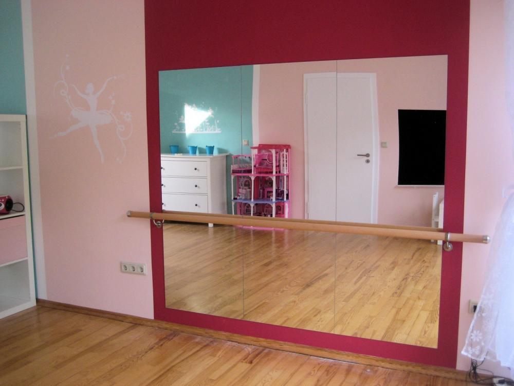 Wer von euch hat eine ballettstange zuhause wenn ja for Spiegel kinderzimmer