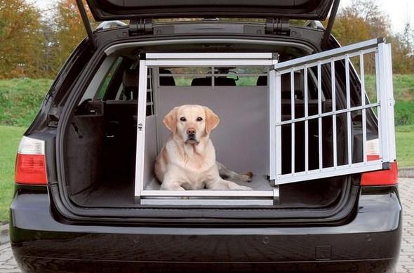 hundetransportboxen hund unterwegs transportbox. Black Bedroom Furniture Sets. Home Design Ideas
