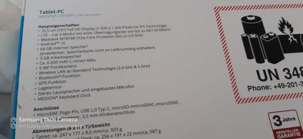 - (Technik, studieren, Tablet)