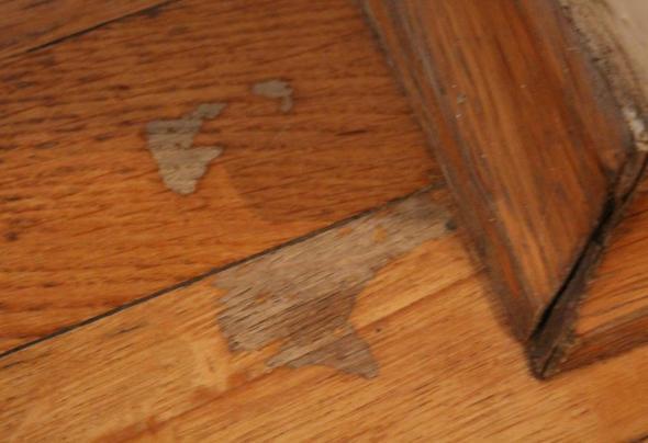 parkettschaden ist da noch was zu retten fotos schaden. Black Bedroom Furniture Sets. Home Design Ideas