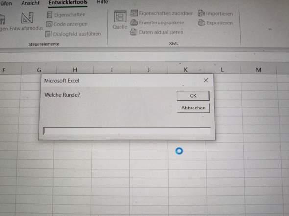 - (Computer, Excel, Formel)