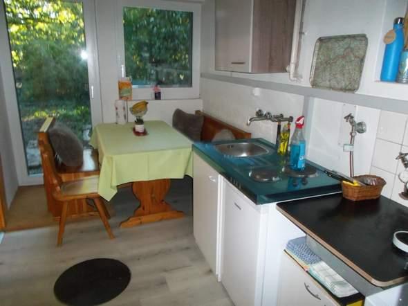 - (Wohnung, Miete, Küche)