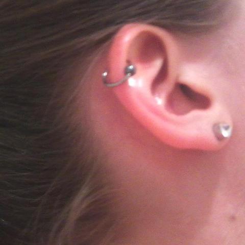 Helix-Piercing - (Piercing, Ring, Helix)