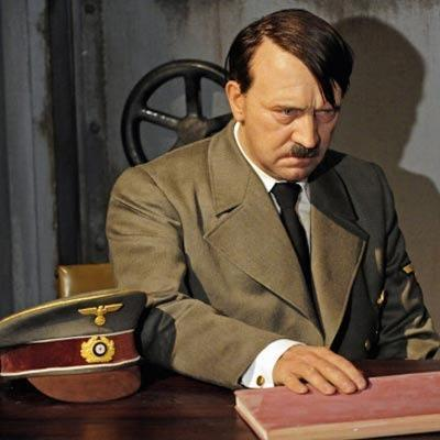 A.H. - (Rassismus, Hitler, Madame Tussauds)