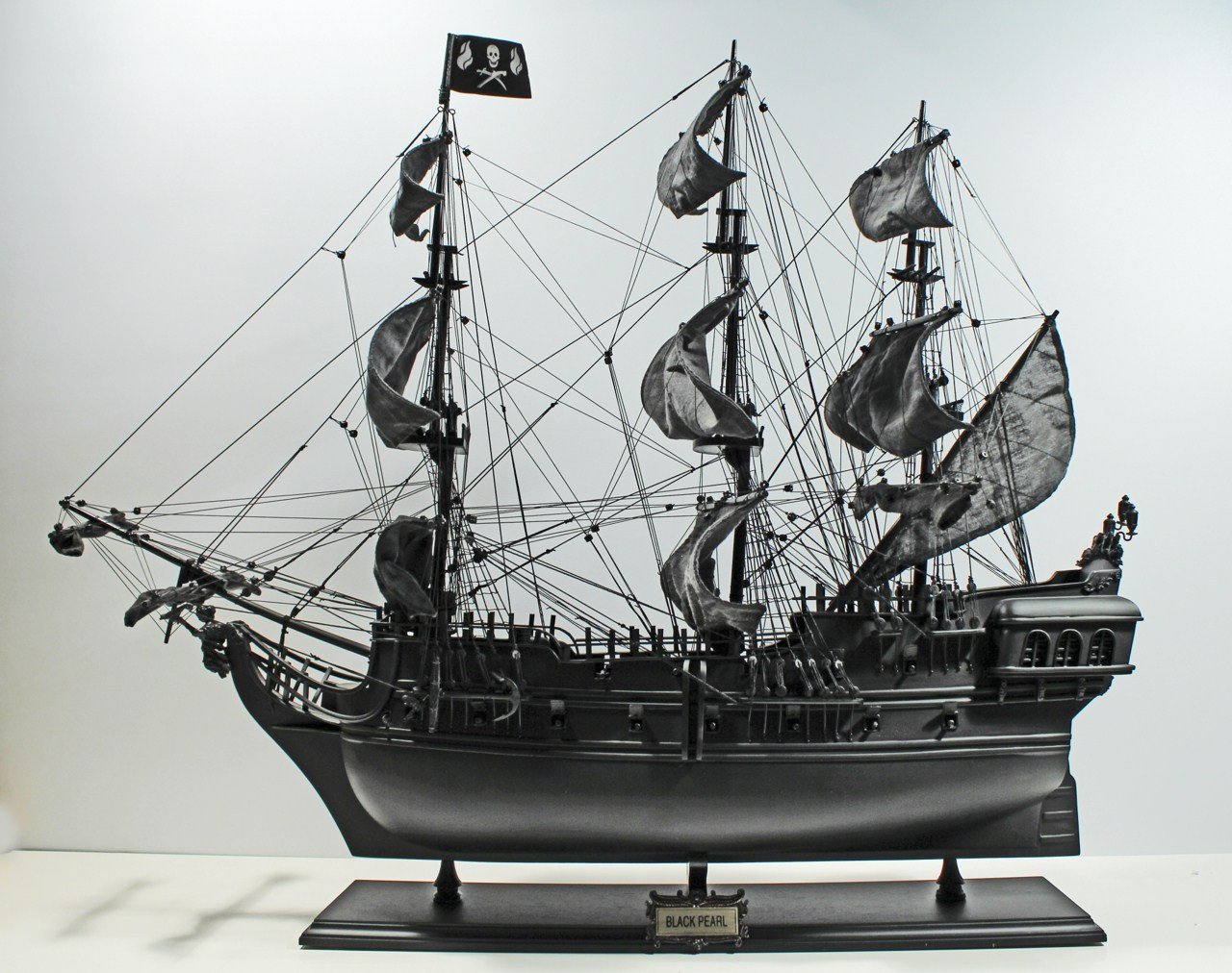 Modelschiff Black Pearl (Freizeit, Modellbau, Fluch der ...