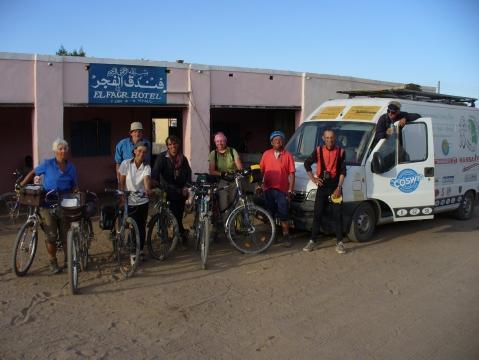 unsere Gruppe kurz vor Abfahrt am Morgen - (Kinder, Afrika, Michael Jackson)
