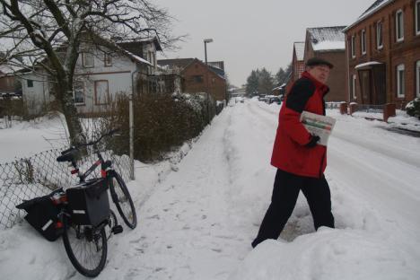 Zeitungzustellen bei Tiefschnee - (Schnee, Räumpflicht)