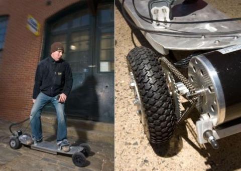 Af dem Rechten bildausschnitt sieht man wie der motor das rad antreibt hier nur an einem Skateboard - (elektro, selber bauen, Go-Kart)