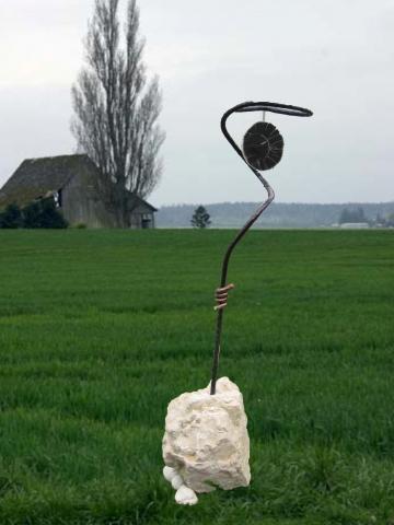 Schwarze Sonne; Scheibe aus versteinerten Holz - (Friedhof, Versteigerung, Grabstein)