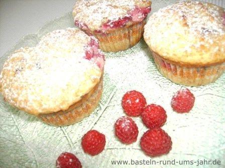 Himbeer Muffins von www.basteln-rund-ums-jahr.de - (Musik, Freizeit, Kinder)