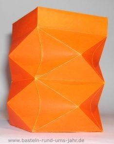 suche bastelanleitungen f r leichte laternen f r kleine. Black Bedroom Furniture Sets. Home Design Ideas