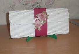 geld im umschlag als hochzeitsgeschenk geschenk hochzeit kreativ. Black Bedroom Furniture Sets. Home Design Ideas