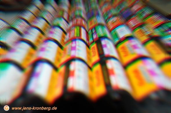 Kunstobjekt mit APS Filmrollen - (Film, Bilder, Foto)