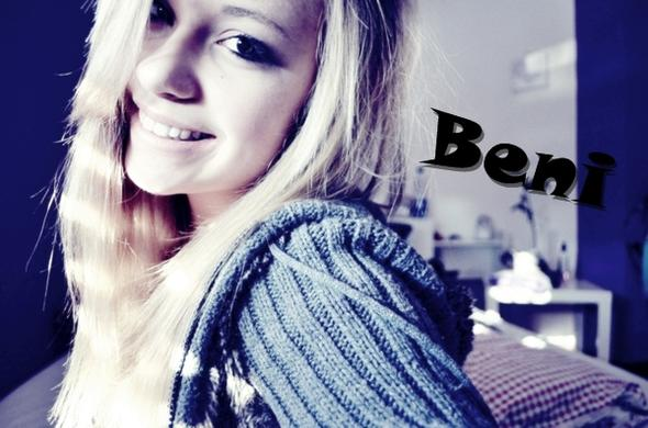don't look my face o.O - (Haarfarbe, blond)