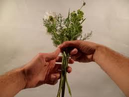 Der start  .... Achte auf die Fingerhaltung - (Blumen, binden, Strauß)