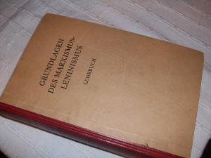 Grundlagen des Marxismus-Leninismus Lehrbuch - (Freizeit, karl-marx, Marxismus)