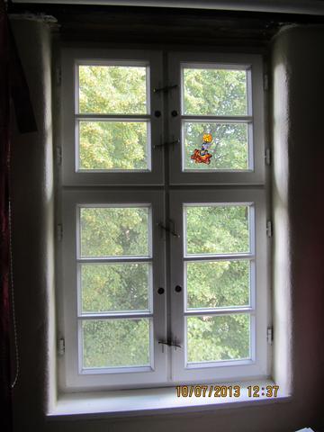 Vierflügliches Flügelfenster mit Kreuz - (Tiere, Katze, Katzen)