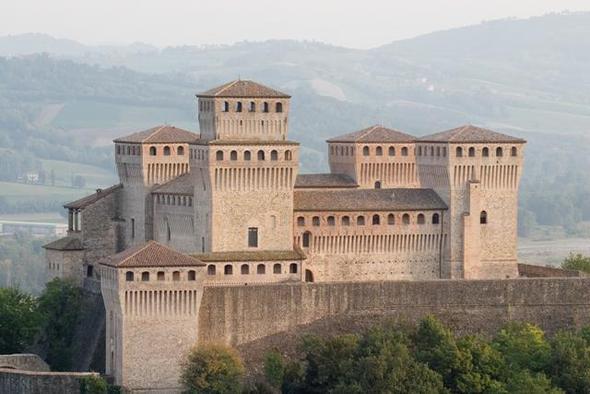 Castello Torrechiara - (Urlaub, Italien, Sehenswürdigkeiten)