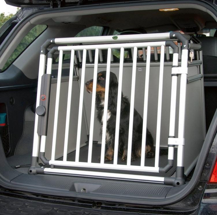 wer empfielt mir eine hundebox f r den skoda octavia ii kombi auto hund hundebox alu. Black Bedroom Furniture Sets. Home Design Ideas