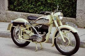 gebrauchtes oltimer motorrad kaufen f hrerschein preis moped. Black Bedroom Furniture Sets. Home Design Ideas