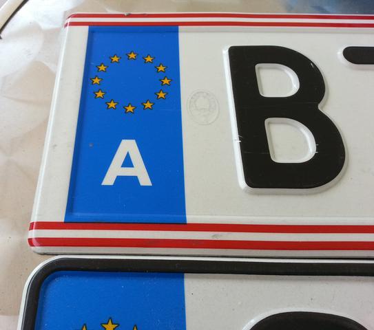 Wieso Sieht Das österreichische Kennzeichen Anders Aus