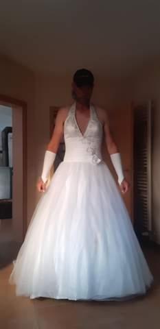 Kleid mann trägt Feminine Mode: